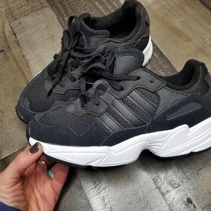 Adidas Torsion shoes